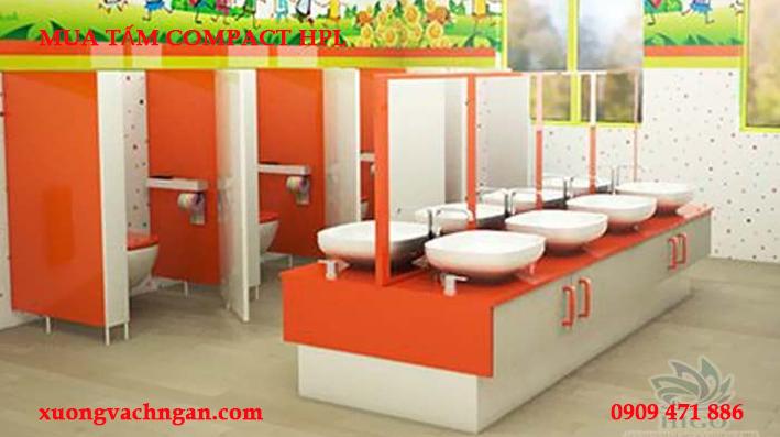 nhà vệ sinh trường học