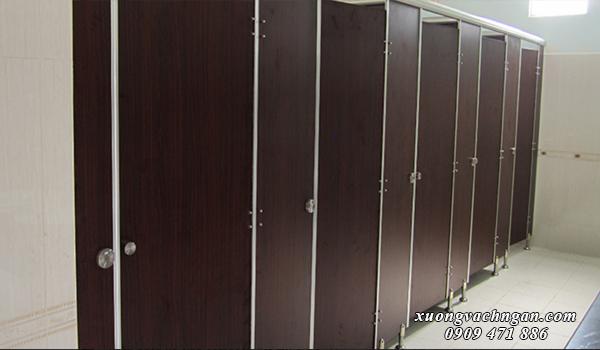 thi công vách ngăn vệ sinh tại Long An 3